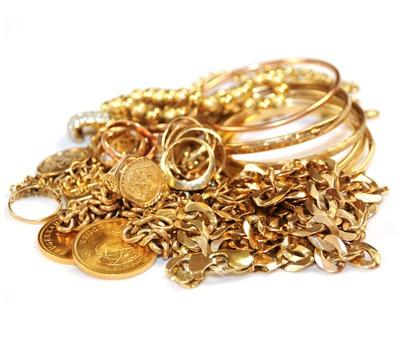 tas de bijoux 18 carats et pièces serties (plus haut titrage, généralement 20/22 carats)